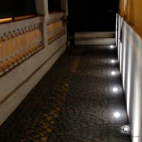 utilisation des spots au sol pour le balisage